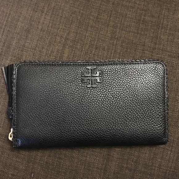 Tory Burch Handbags - NWOT TORY BURCH Taylor Continental Zip Wallet